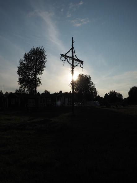 Old Maypole